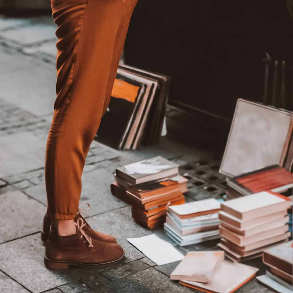 12 books everyone should read in their twenties.  Book list for millennials. Reading lists in your twenties can be hard to find. Check out these books. Literature. Book Nerd. Book worm.