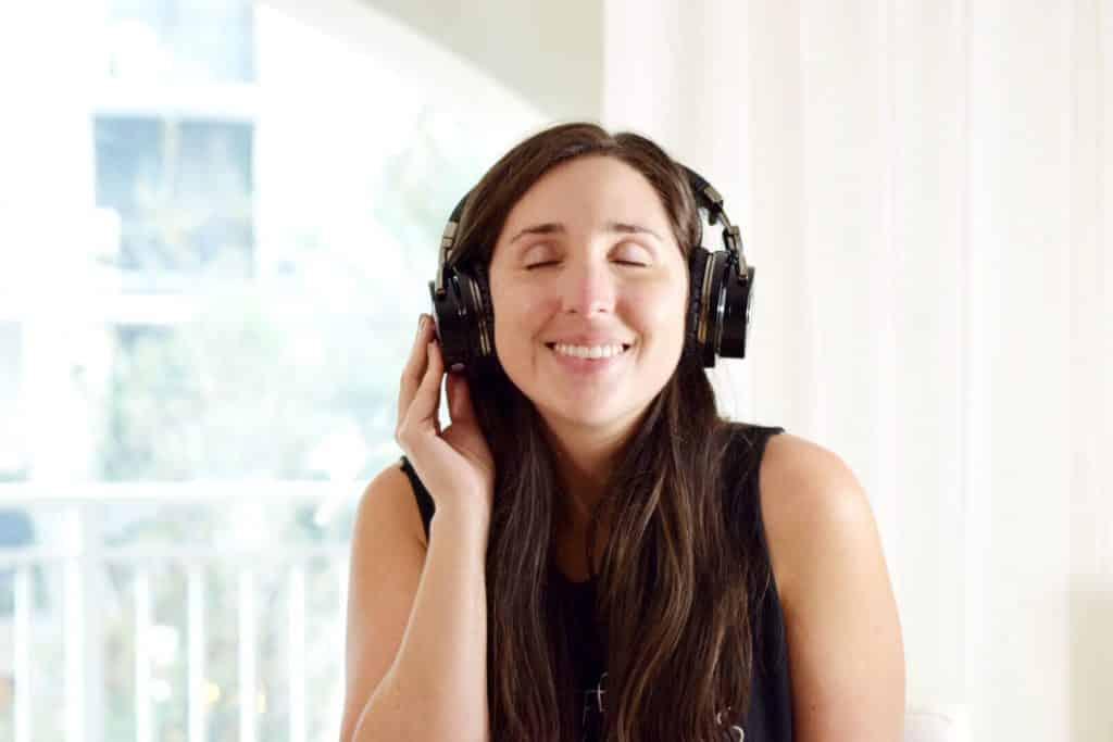 noise cancelling headphones millennial blog
