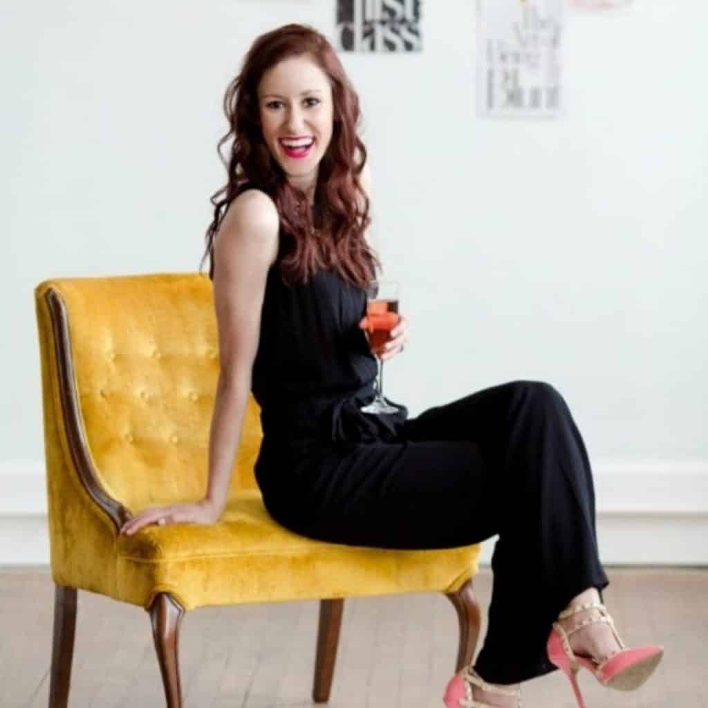 Inspiring interview with Erica Ligenza on #bloggers do's & don'ts, pitching brands, and so much more! #BossPitch