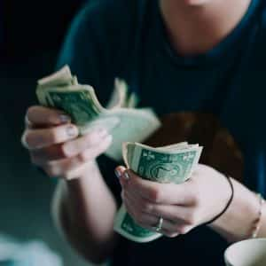 saving money tips, frugal living, saving money ideas in your 20s
