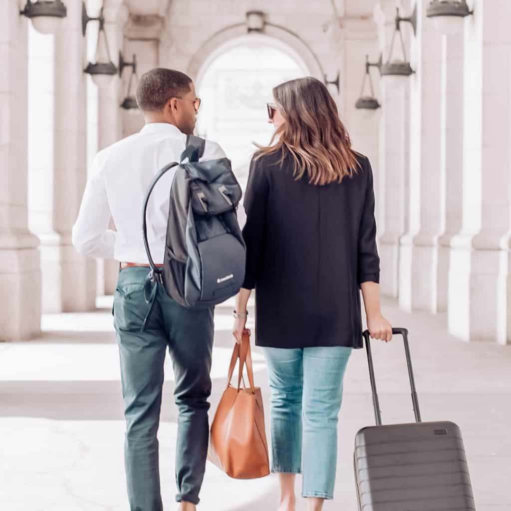 business travel tips and essentials, how to save money traveling for business, business travel accomdations, #businesstravel, #businesstravletips, #savingstips, #moneysavingtips, #traveltips