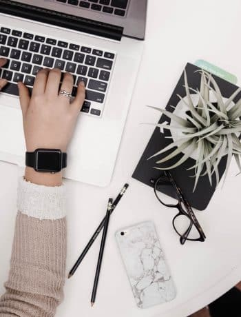 How To Price Yourself & Ask For Payment When Getting Started As an Entrepreneur or Coach or Photographer - the confused millennial, millennial blog