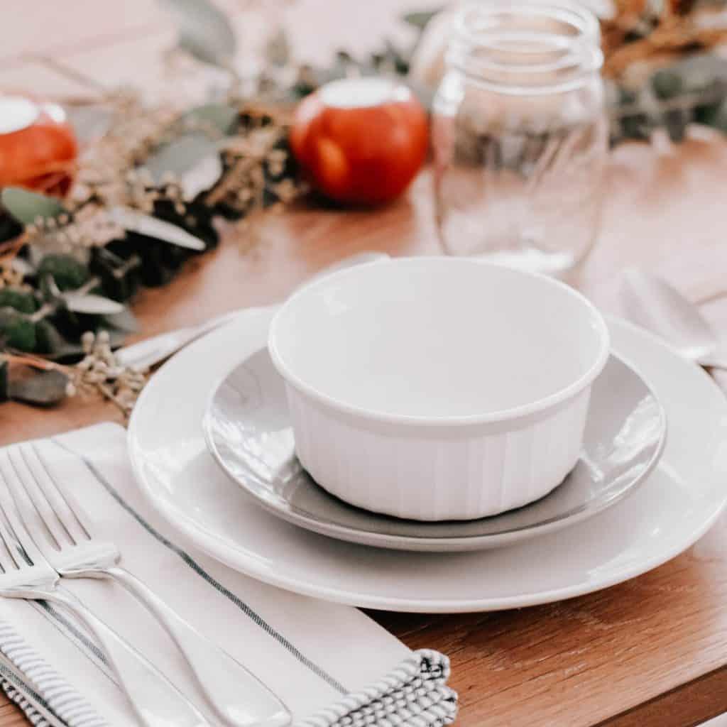 DIY rustic table centerpiece, holiday tablescapes, holiday table settings, holiday table decor, #tablescape