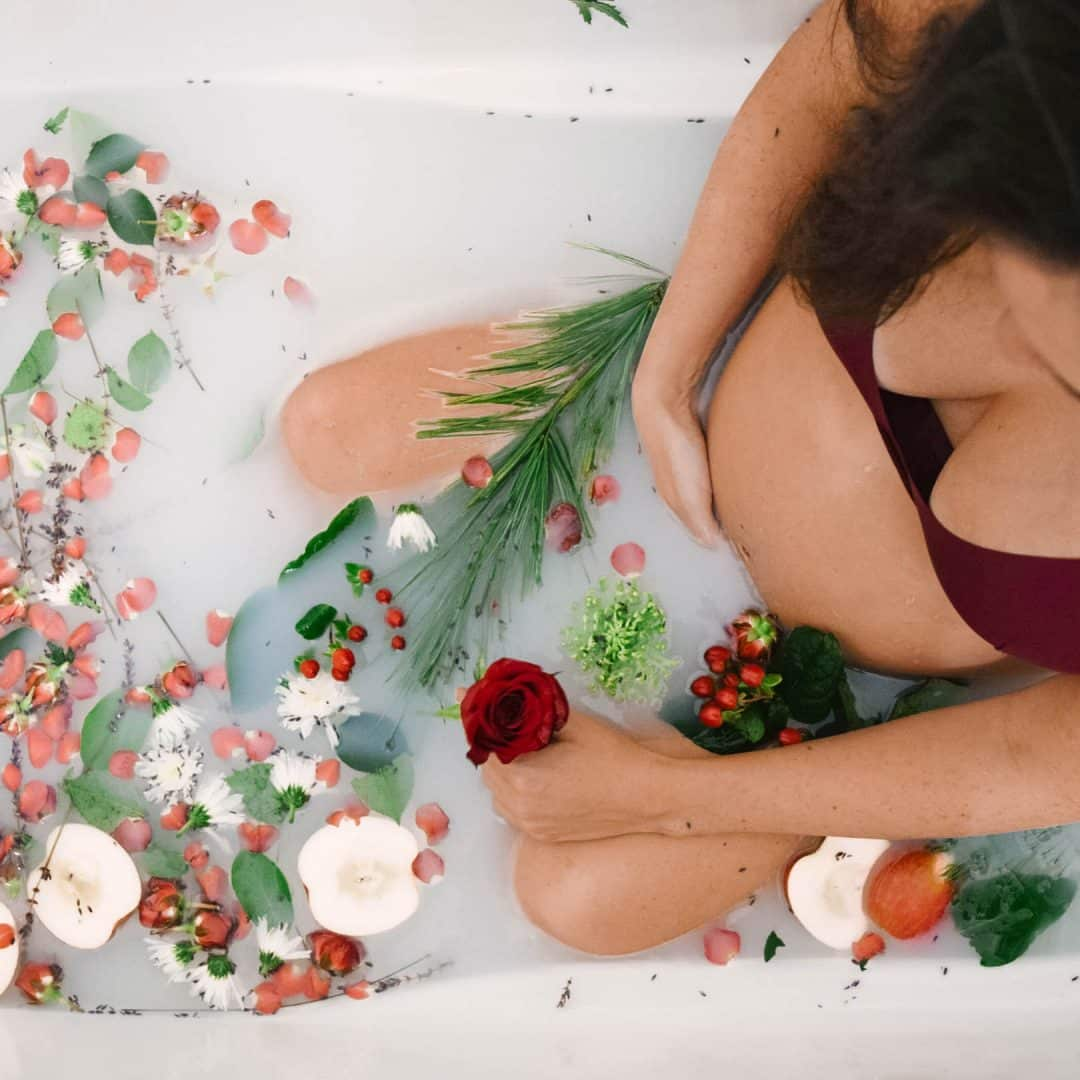 Pregnancy & Body Image: What My Experience Has REALLY Been Like, self love and care while pregnant, pregnancy symptoms and real talk, postpartum body prep, preparing your body for a baby while pregnant, #selflovejourney, #pregnancy, #maternityphotos, milk bath photo shoot maternity, pictures of pregnant women and girls, #bodyimage, #positivebodyimage