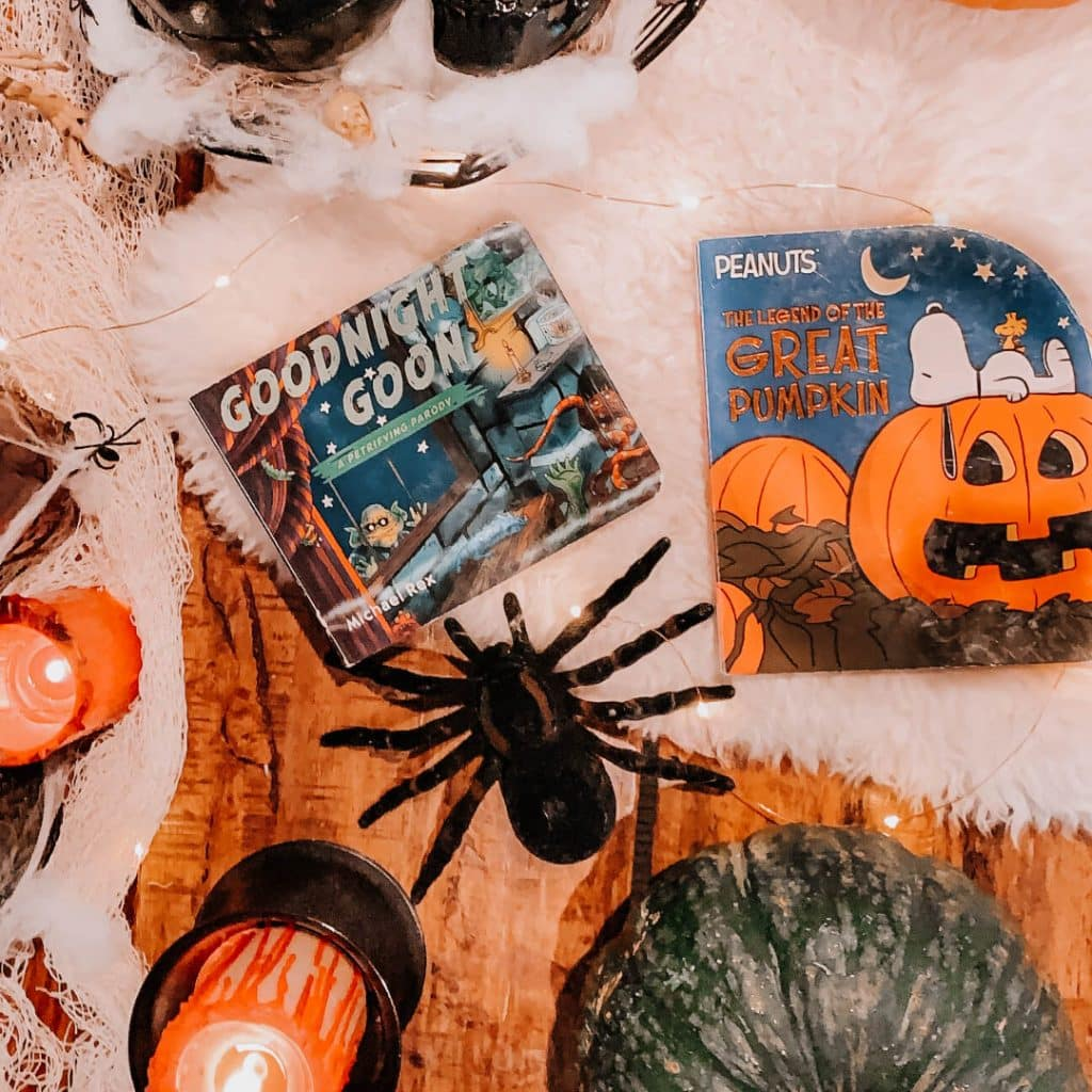 100 Halloween Books For Kids [For Babies, Young and Older Children!], the best halloween books for children of all ages, fun and classic books to read with babies for Halloween, Halloween reading list for elementary school, #halloweenbooks, #halloweenforkids, #halloweenfun, #frugalliving