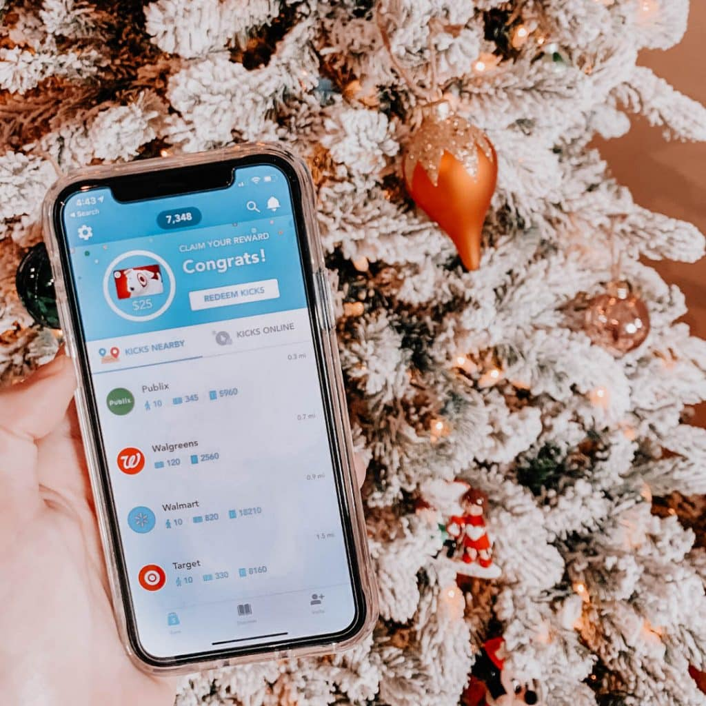 5 Money Saving Apps You Need To Download Before Black Friday & Christmas, money saving tips, ideas, and hacks for holidays, money saving apps for iPhone or android to earn extra cash when living on a budget, grocery store cash back apps, retail cash back google chrome extensions, apps for quick discounts to skip clipping coupons, cash back for shopping, #cashbackapps, #cashback, #moneysaving, #savingmoney, #budgetholiday, budget friendly holiday solutions for frugal living, #frugalliving