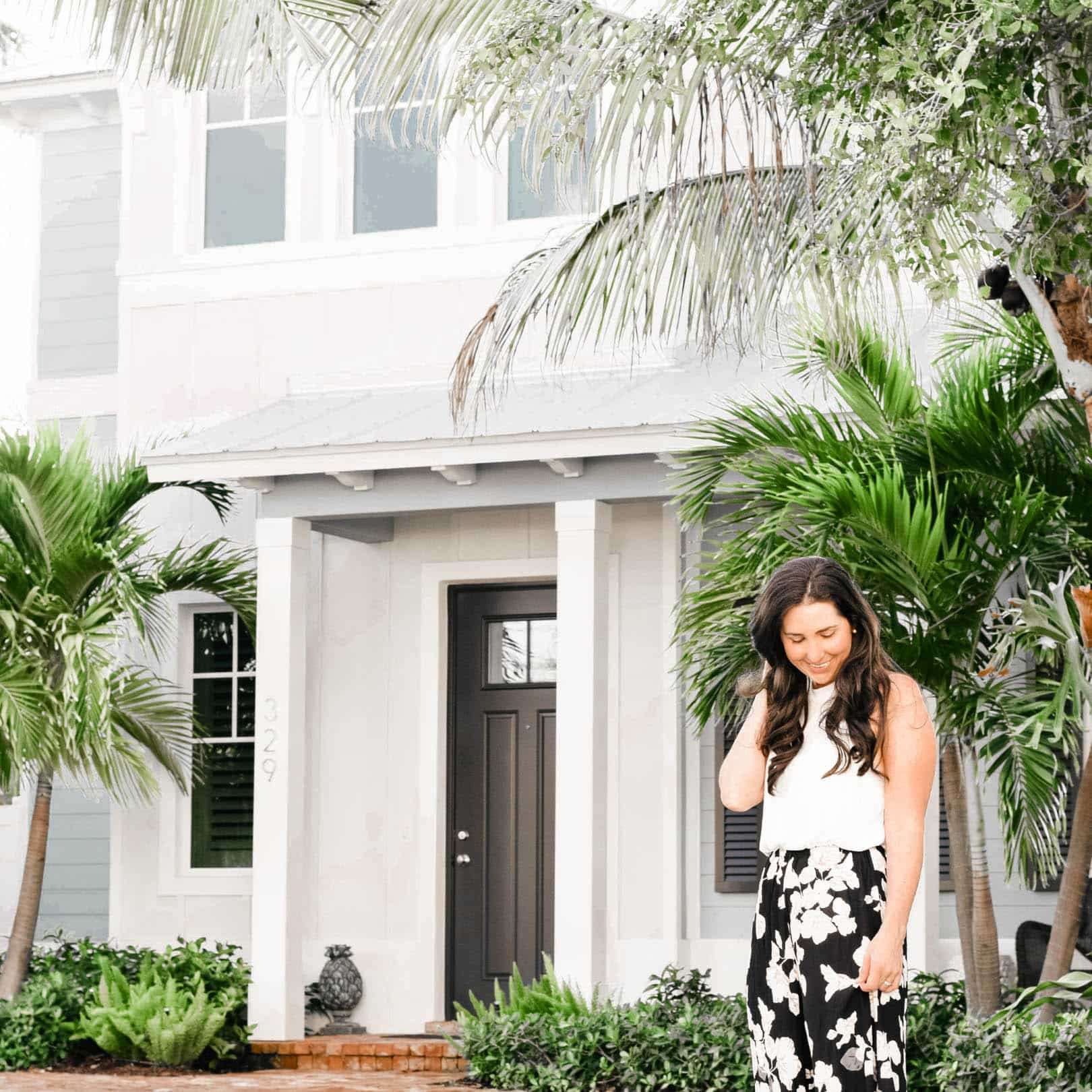 how to save money for your first home purchase, buying first home in 20s with bad credit, tips for buying a house for the first time with bad credit, check lists of things to do with your money and down payment and finances when looking to become a new home owner, questions to get prepared for the timeline and home purchasing process, #firsthome, #homebuying, #moneytips, #firsthouse, #homeowner, #badcredit