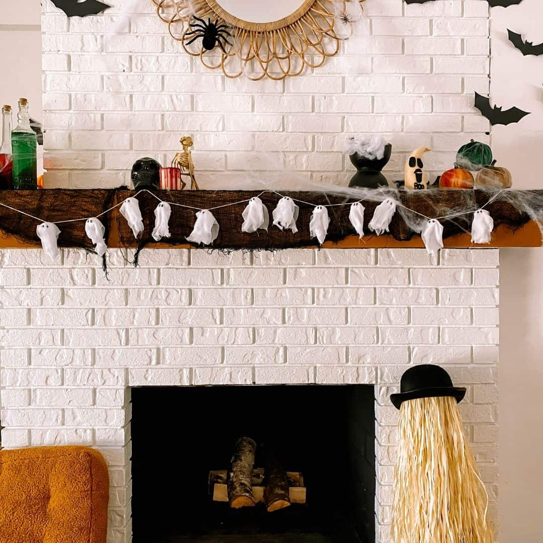 Diy Halloween Ghost Garland Only 3 Dollar Tree Hack The Confused Millennial