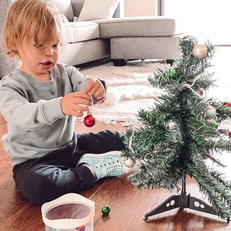 mini tree toddler holiday activity
